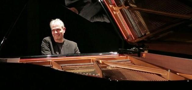 Production d'un coffret CD+DVD du concert de Gerado Di Giusto: La campagne KissKissBankBank , est réussie !