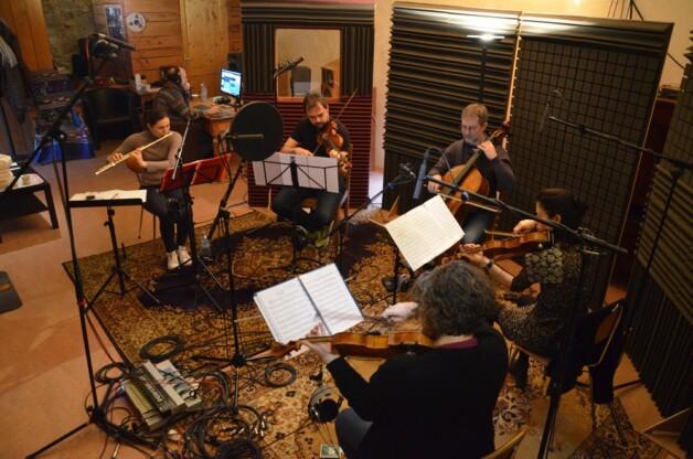 Les Folkeux de Pie en studio pour «Folk à Plumes»